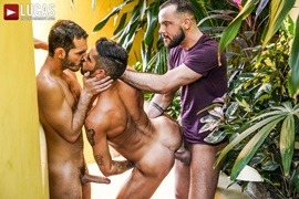 Ricky Hard, Sir Peter, Valentin Amour – Pounded In Public View